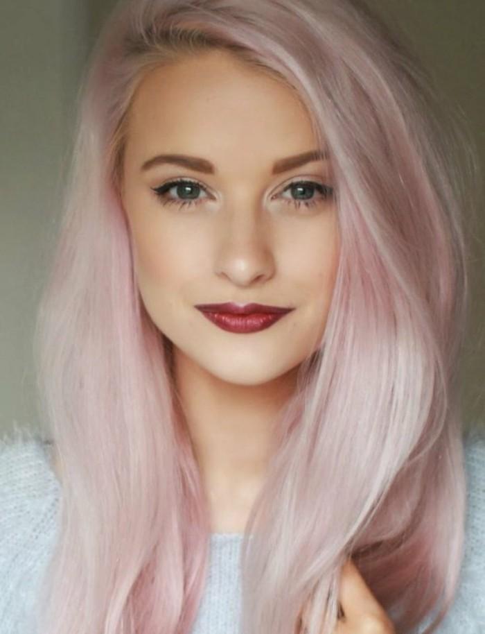 5-reflejos-en-el-pelo-color-rosa-femenino-juvenil-ojos-azules