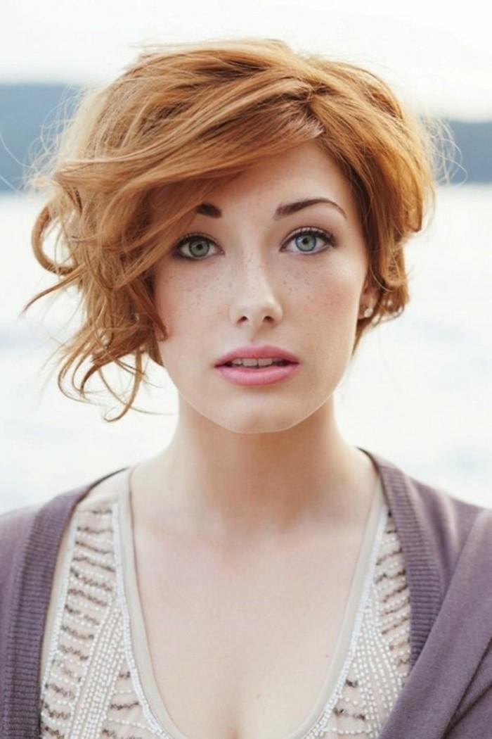 color-de-pelo-de-moda-pelirrojo-ojos-azules