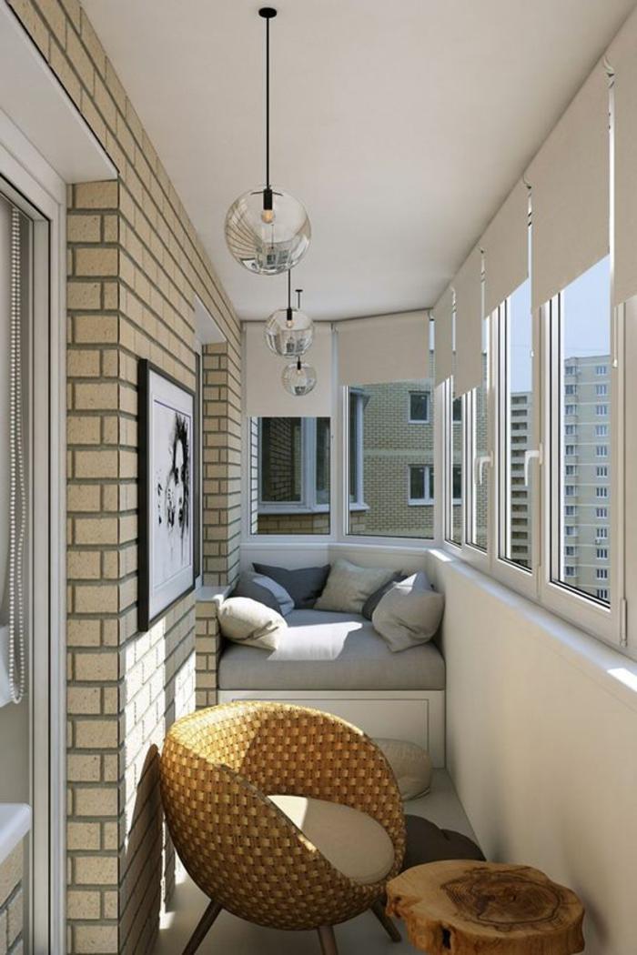 como-decorar-una-habitación-terraza-sofá-pequeño-silla-de-ratan