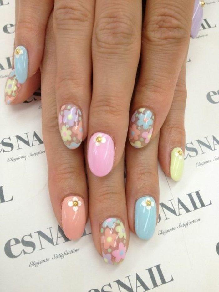 decoracion-de-uñas-en-tonos-pasteles-con-flores