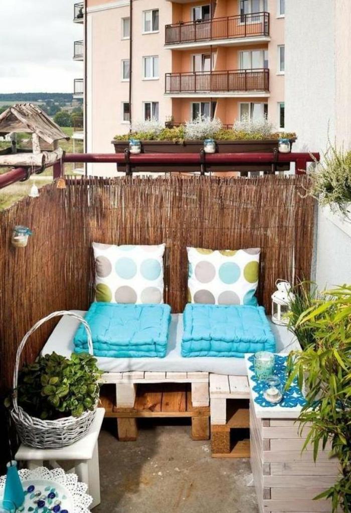 1001 ideas para decorar el balc n con lindas fotos de for Muebles para patios interiores