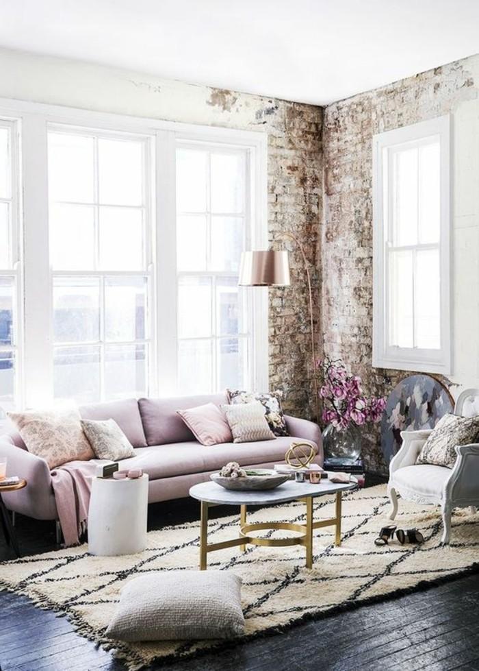 decoracion-salones-sofá-rosa-elegante-acogedor