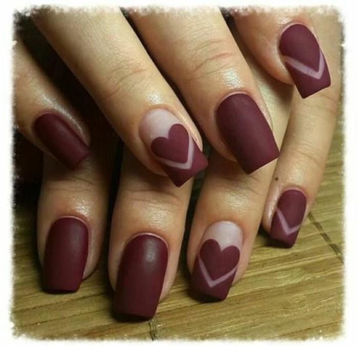 decoracion-uñas-diseño-simple-pero-muy-elegante-con-corazones
