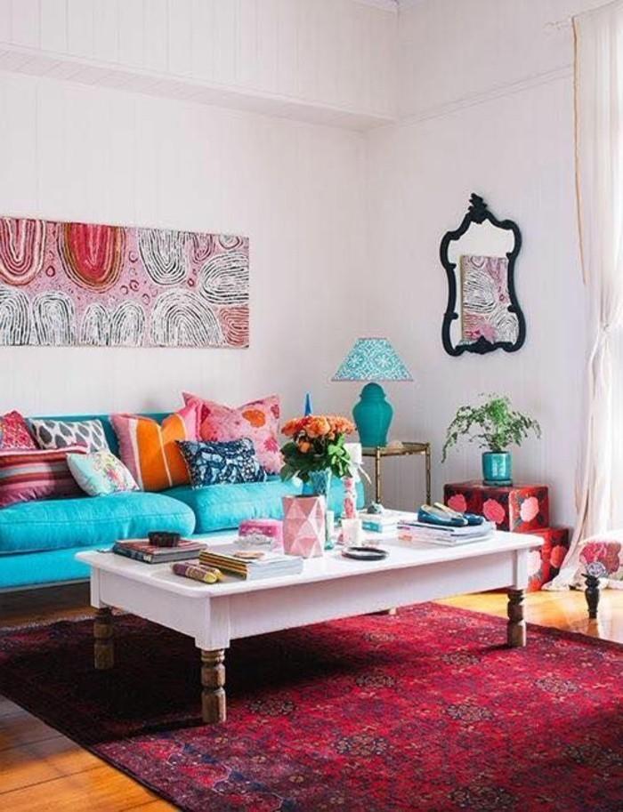 decorar-salon-estilo-diferente-colores-vivos-sofa-azul