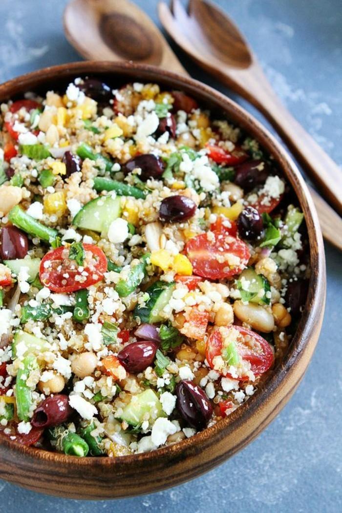 ensalada-de-quinoa-tomates-olivas-recetas-faciles-y-sanas