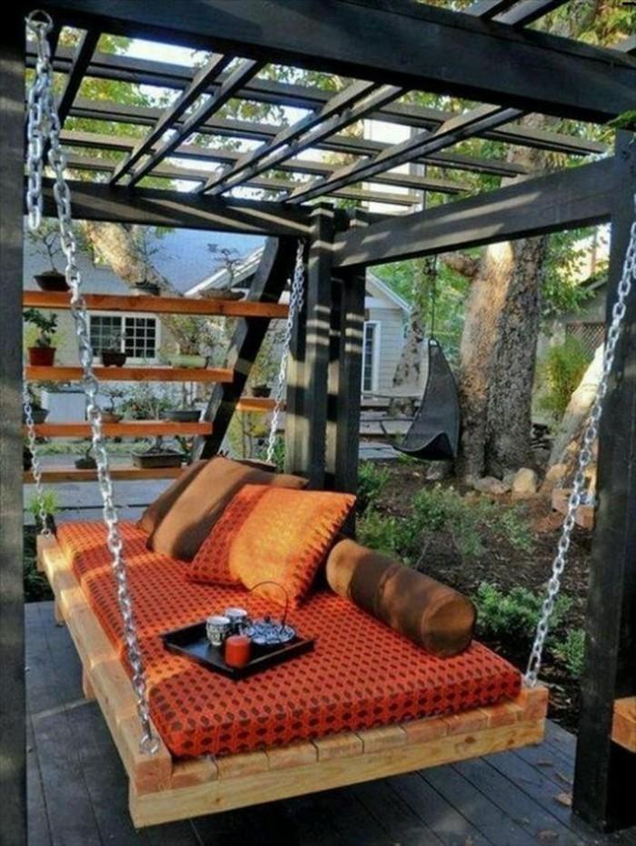 muebles-de-palets-sofá-oscilación-interesante