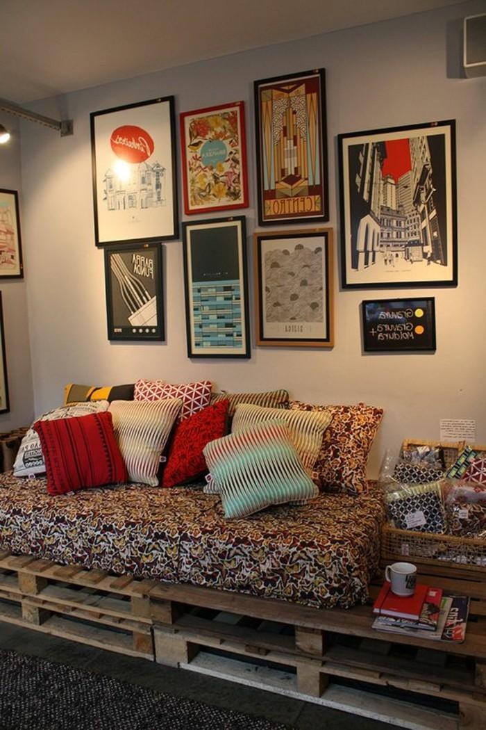 muebles-palets-cómodo-sofa-en-sala-de-estar