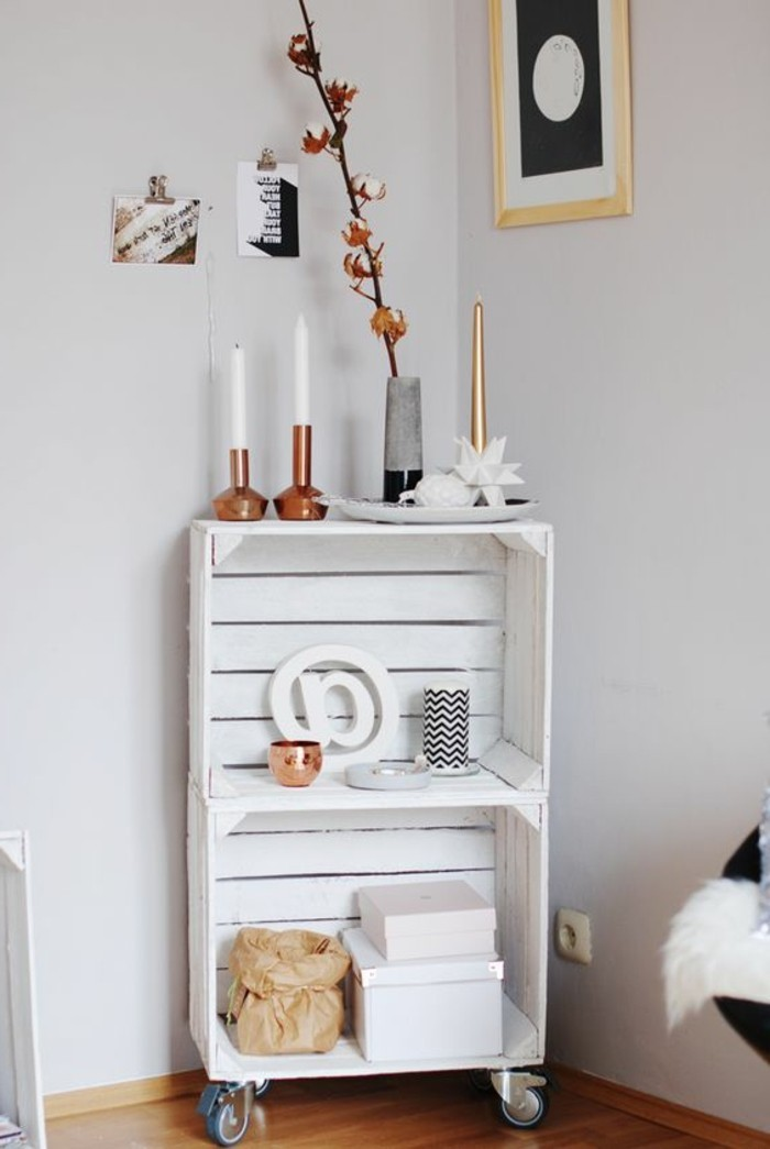 muebles-reciclados-de-pales-con-ruedas-blanco
