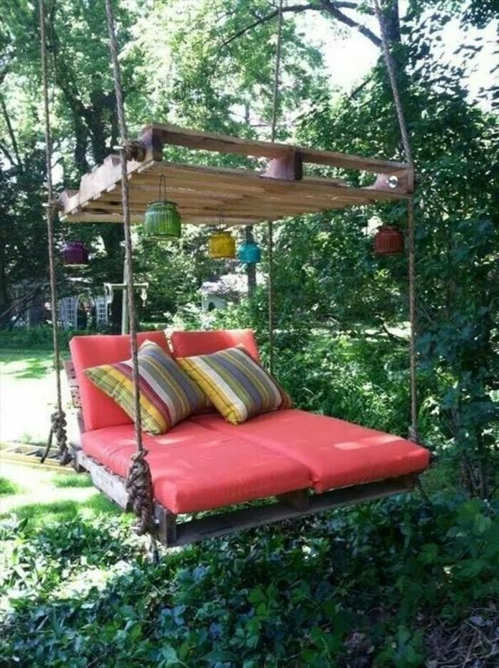 muebles-reciclados-oscilación-de-palets-jardín