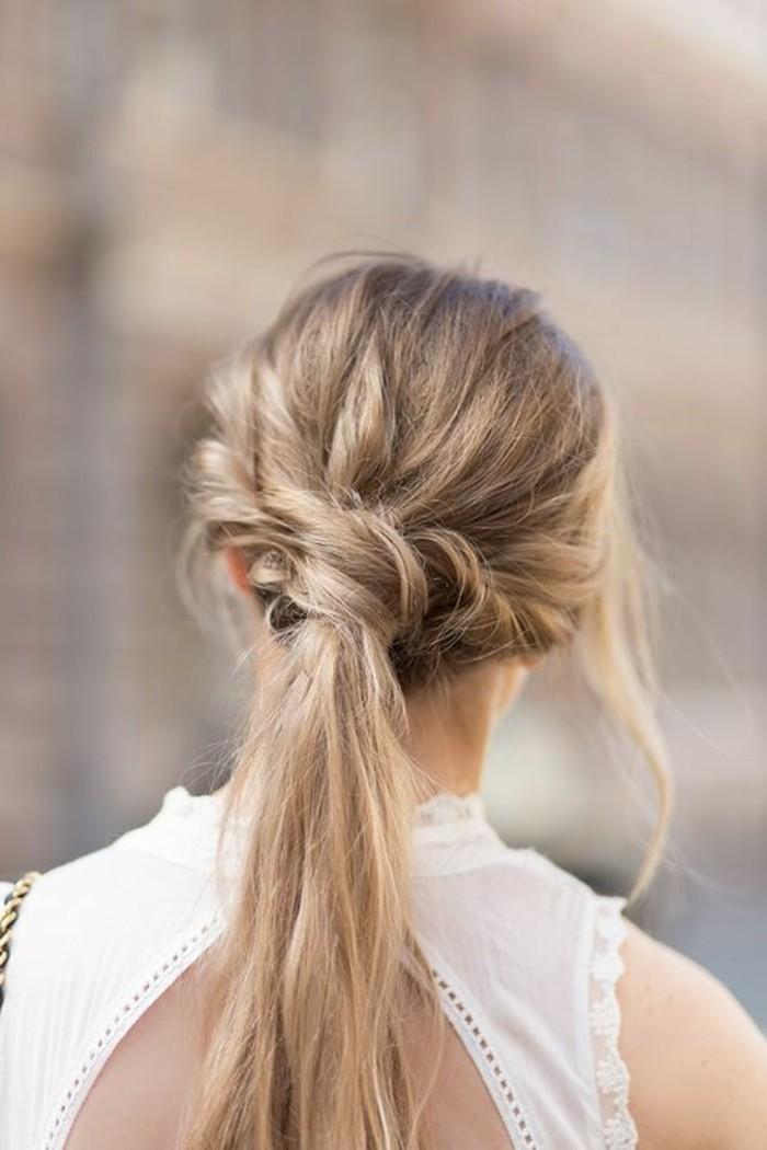 peinados-trenzas-pelo-largo-suelto-trenza-al-lado