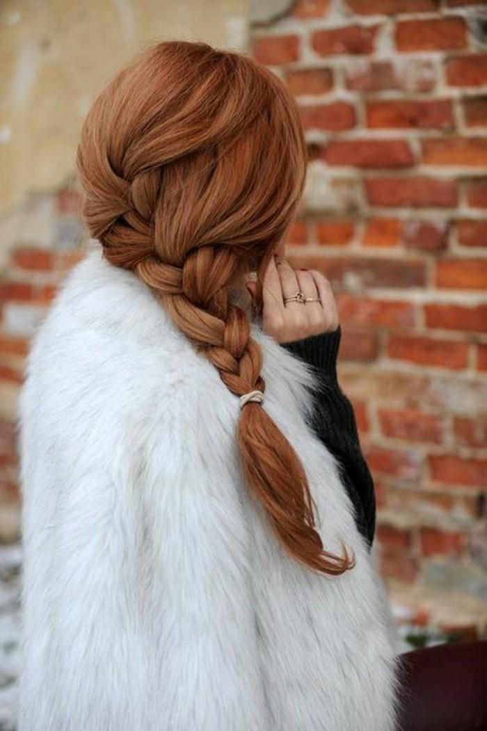 reflejos-en-el-pelo-color-rojo-cobrizo-trenza-larga