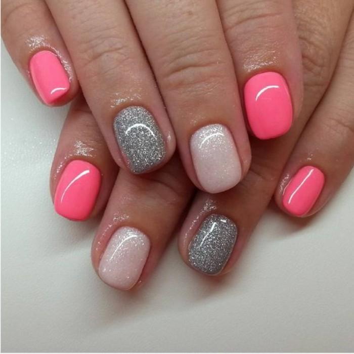 uñas-de-tres-tonos-de-rosa-con-brocado