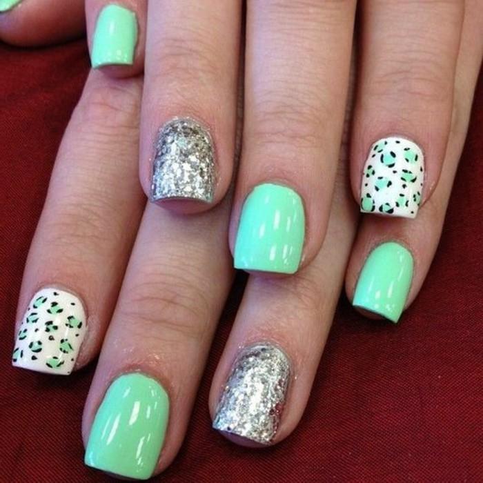 uñas-de-gel-color-verde-dibujo-con-brocado
