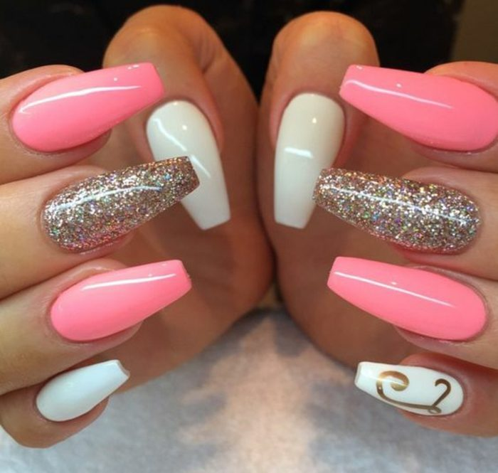 uñas-de-gel-paso-a-paso-color-rosa-brocado
