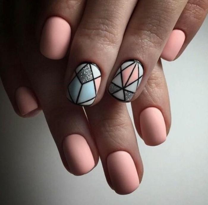 uñas-de-gel-paso-a-paso-decoración-interesante-color-rosa