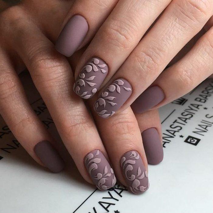 uñas-de-gel-paso-a-paso-tono-natural-decoración-flores