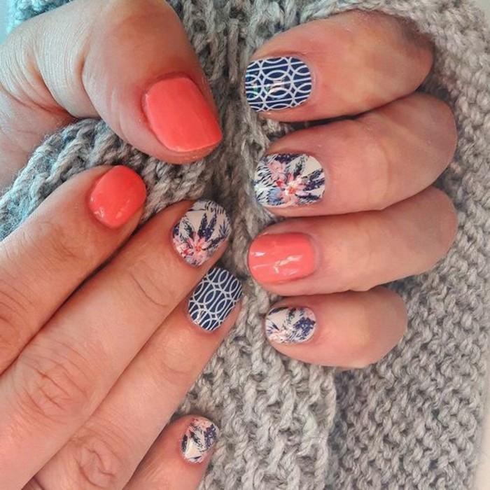 uñas-decoradas-diseño-popular-tonos-azules-flores
