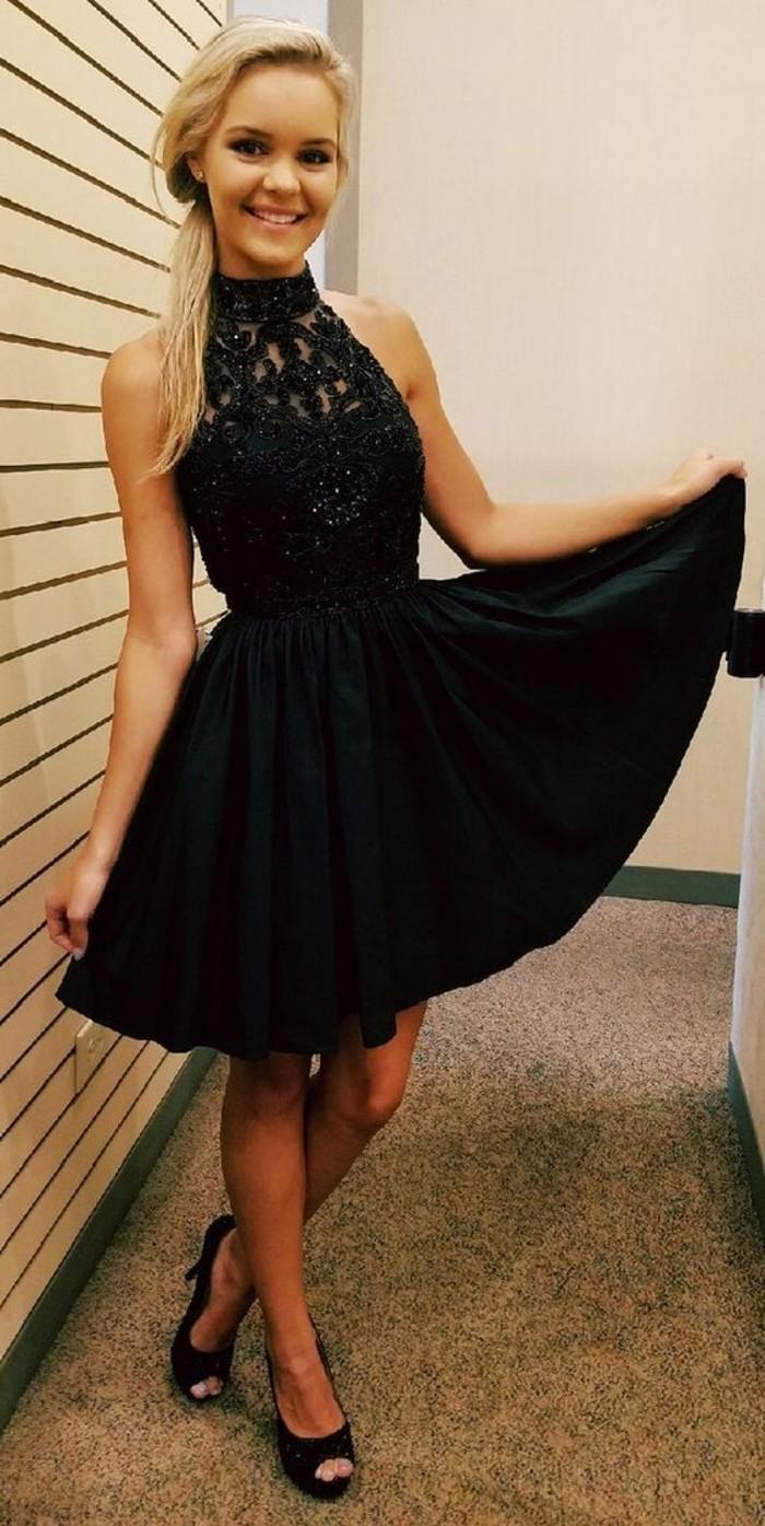 vestidos-coctel-negro-corto-plisado
