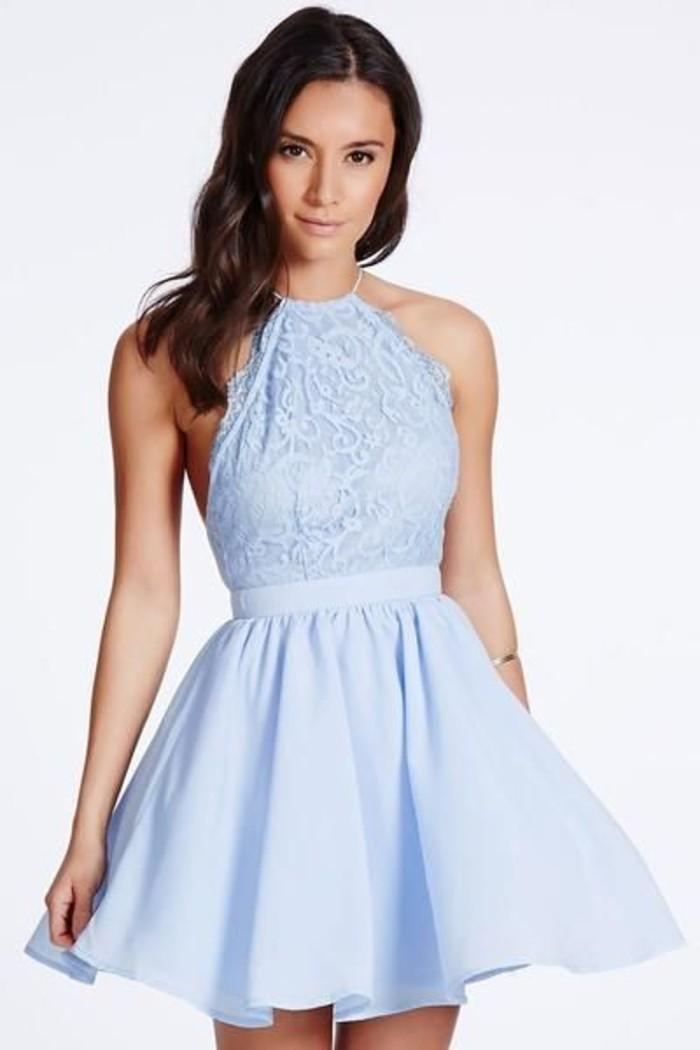vestidos-de-fiesta-cortos-plisado-azul-hombros-desnudos