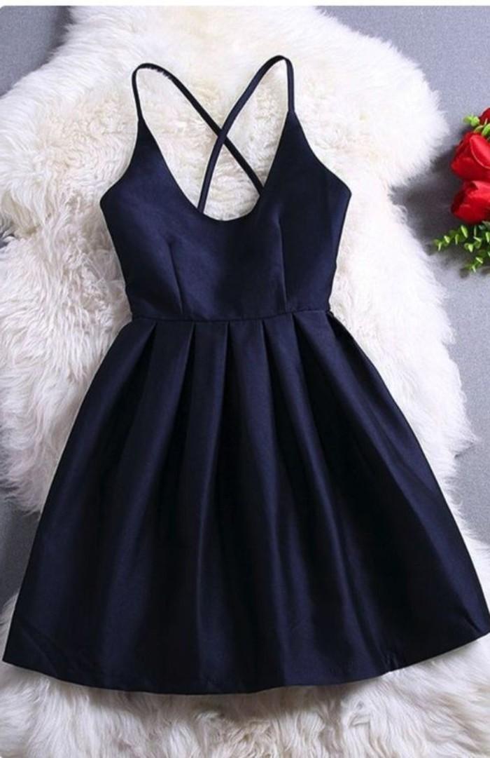 vestidos-de-fiesta-cortos-azul-marino-plisado-tirantes-finos