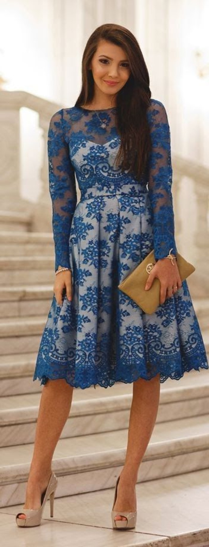 vestidos-de-fiesta-cortos-encaje-azul-mangas-largas