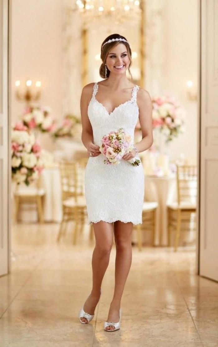 vestidos-de-novia-ajustados-escote-grande-cortos