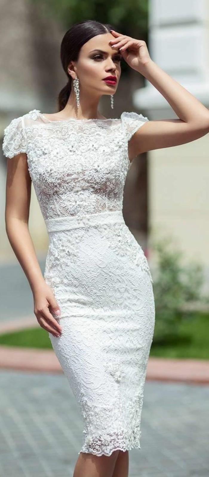 vestidos-de-novia-cortos-ajustado-con-cinta-y-encaje