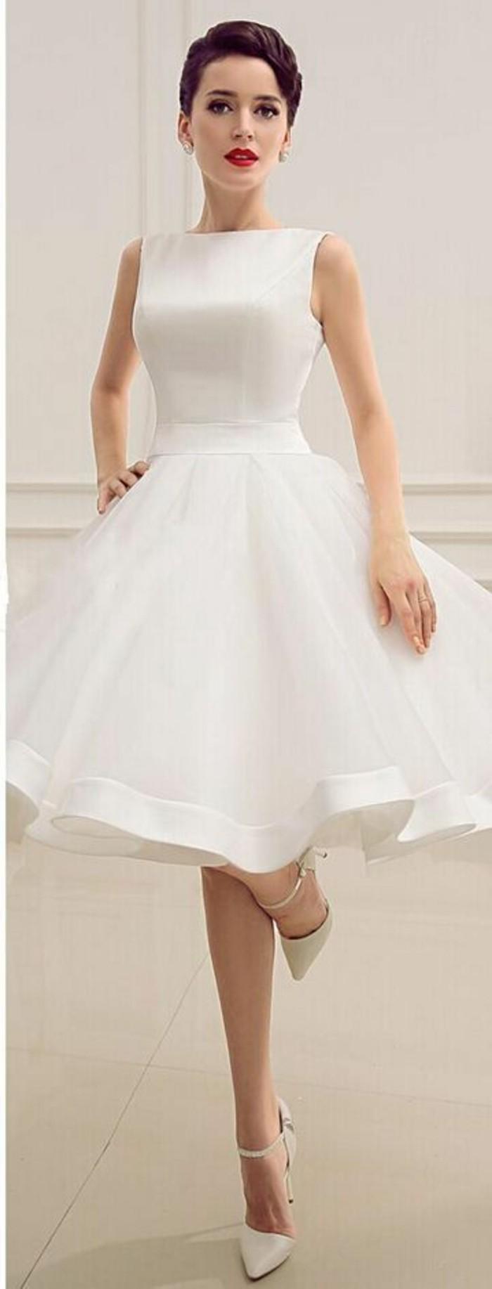 vestidos-de-novia-cortos-saten-y-tul-elegante