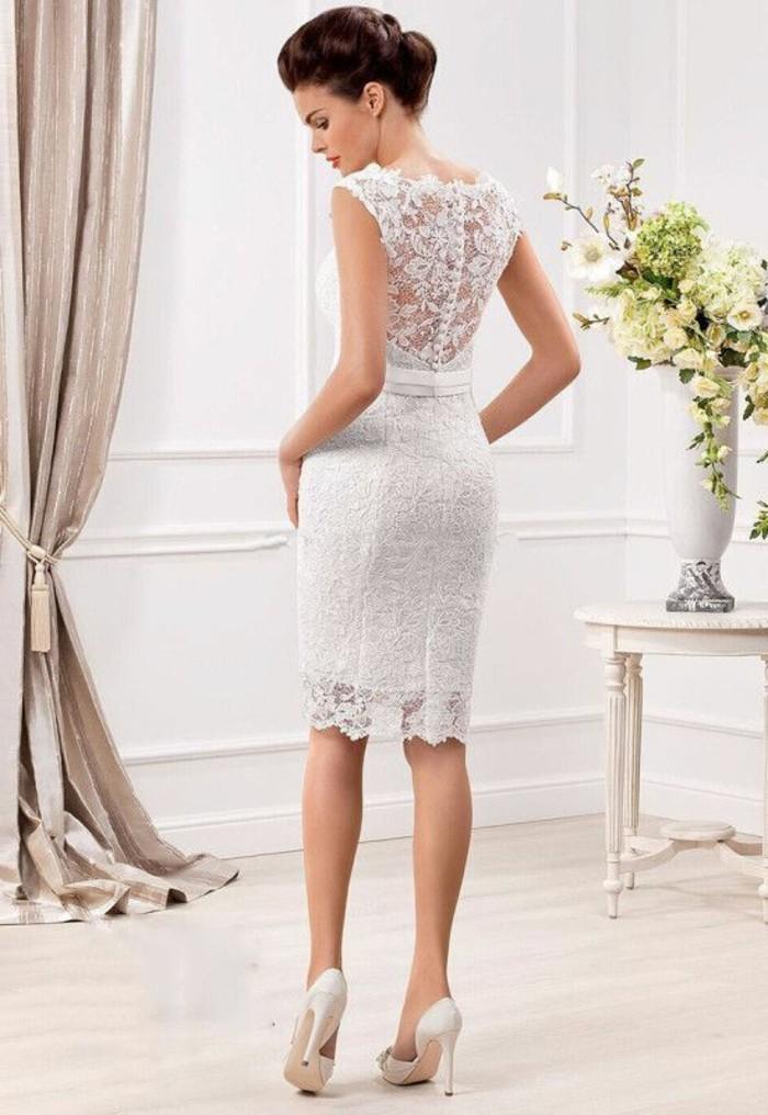 vestidos-de-novia-cortos-vestido-ajustado-de-encaje-elegante
