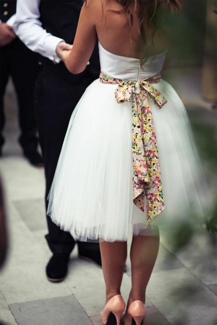 vestidos-de-novia-flamencos-cinta-de-color-grande-tul