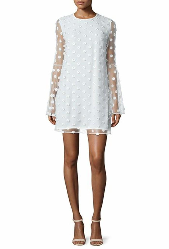 vestidos-de-novia-sencillos-corto-muy-original-con-mangas-largas y anchas