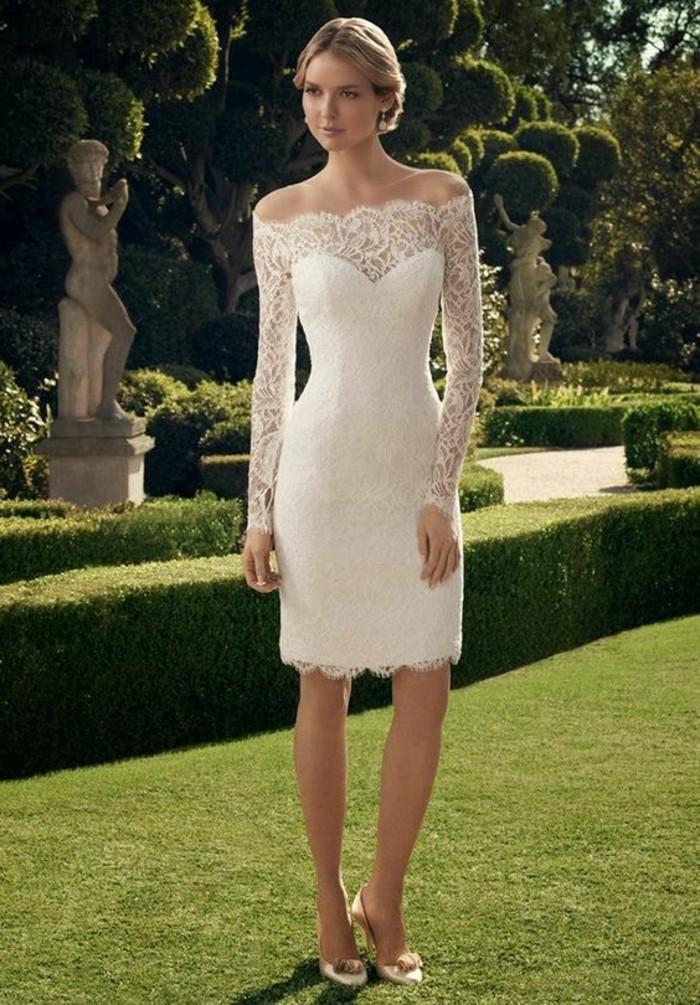 vestidos-de-novia-sencillos-encaje-elegante-cuello-corazon