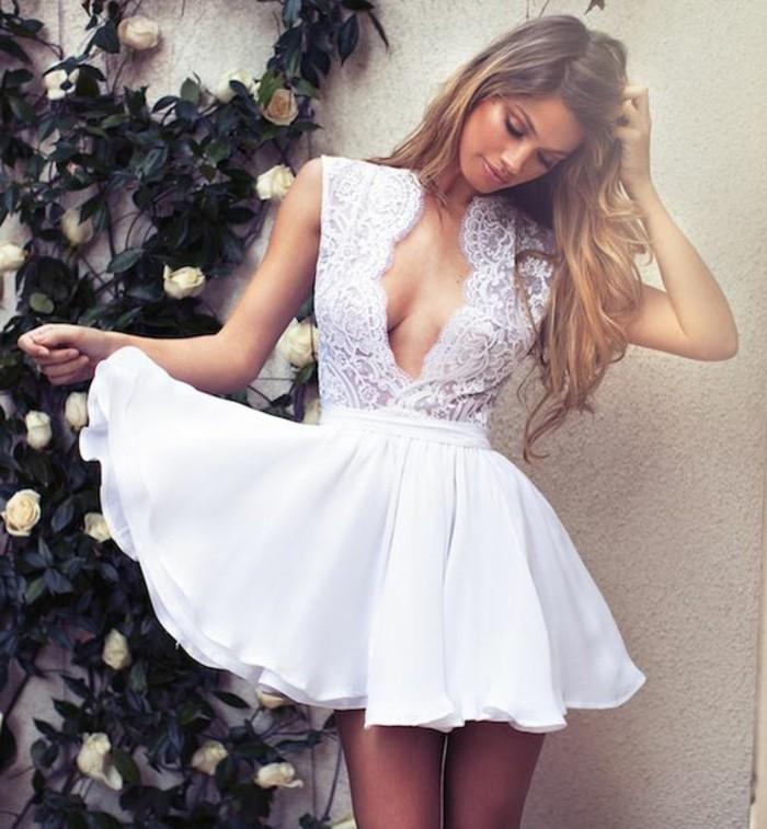 vestidos-de-novia-sencillos-escote-super-grande