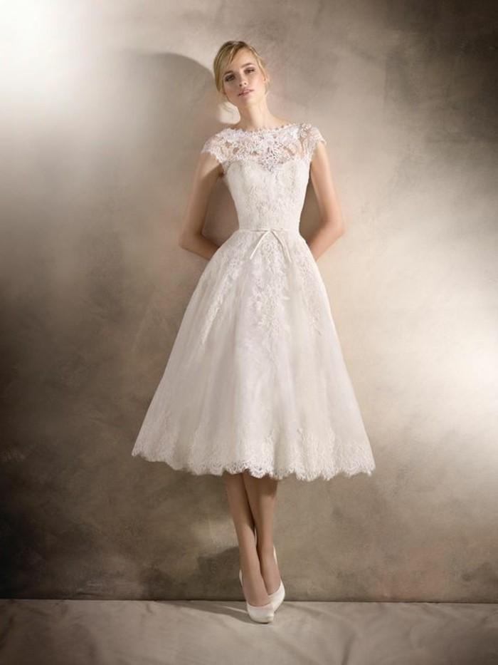 vestidos-de-novia-sencillos-romantico-con-cinta-pequeña
