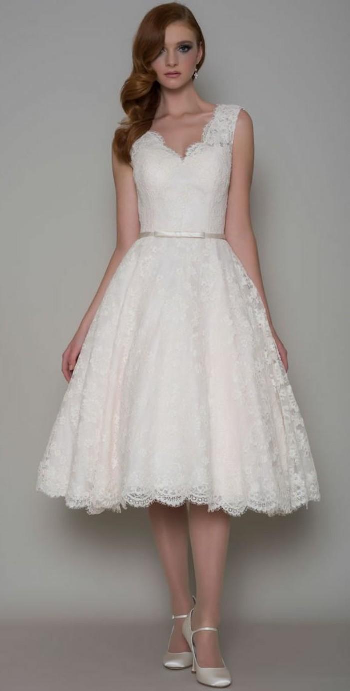 vestidos-de-novias-flamencos-cinta-pequeña-vestido-simple-de-encaje