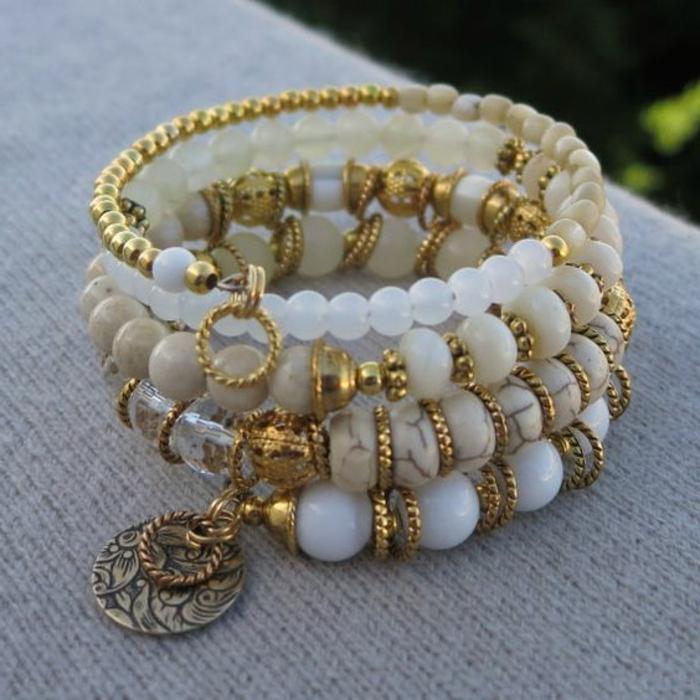 08-pulseras-de-moda-en-blanco-y-oro-piedras-preciosas-diferente-tamaño
