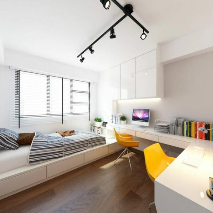 casas-minimalistas-silla-amarillas-habitación-en-blanco-suelo-marrón
