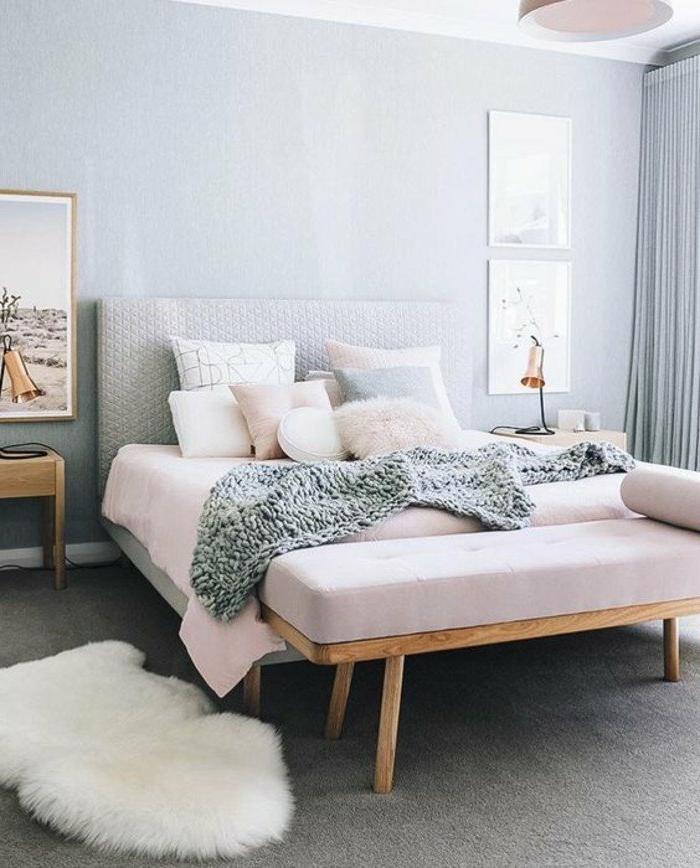 decoración-de-dormitorios-manta-tejida-colchas-rosas-cojines-decorativos-tonos-pasteles