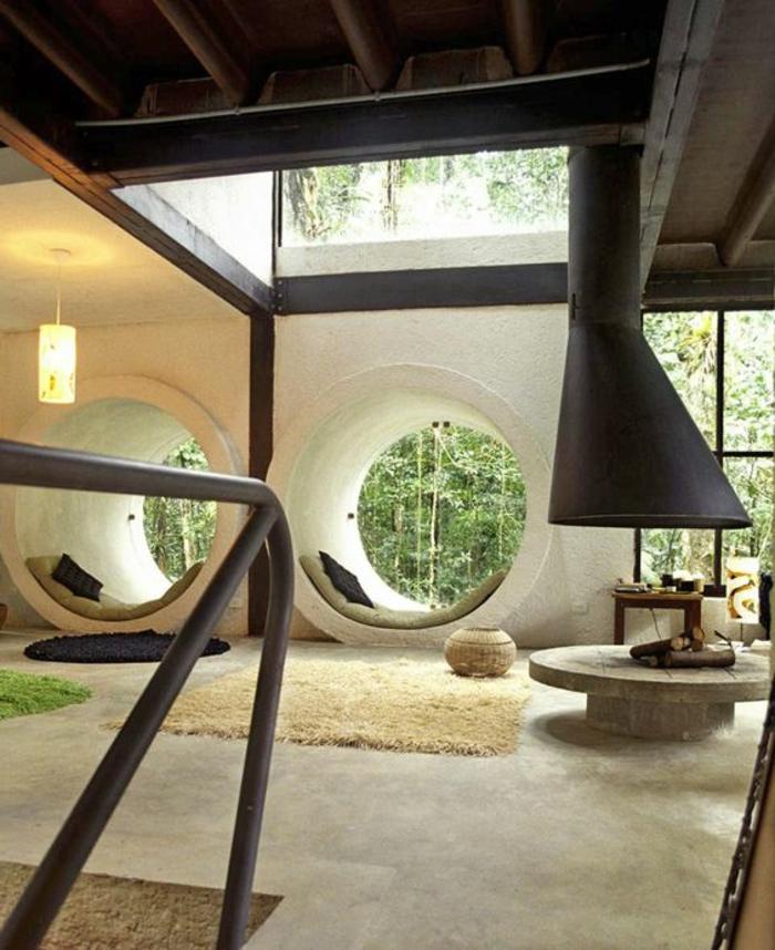 decoracion-minimalista-habitación-grande-techo-de-madera-alfombras-de-color-diseño-extravagante