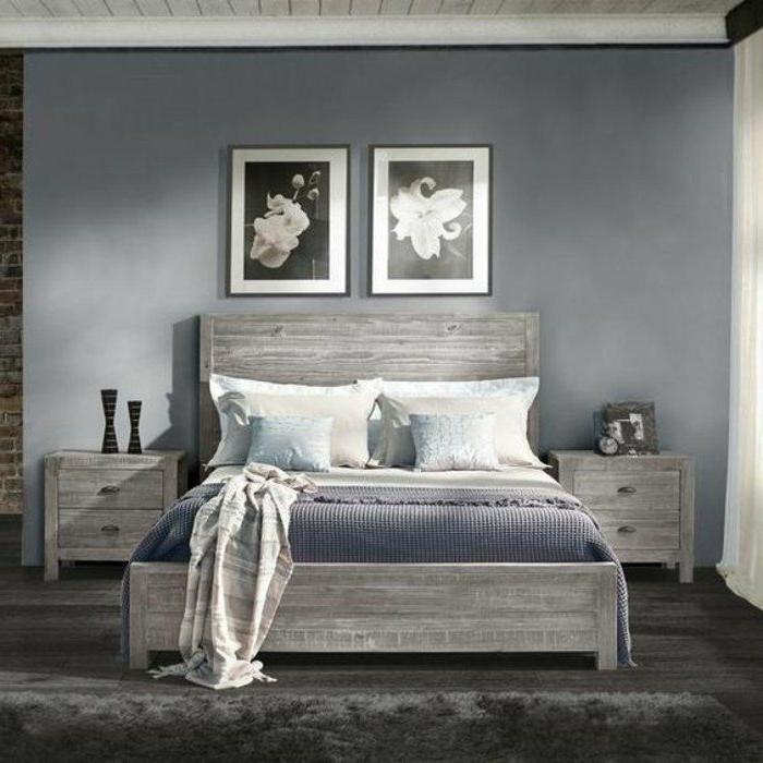dormitorios-matrimonio-pequeño-cama-de-madera-pared-azul-manta-azul