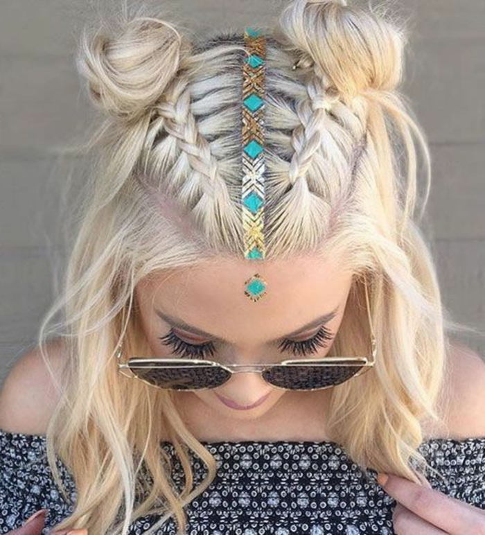 peinados-para-pelo-corto-rubio-dos-trenzas-bella-chica-pelo-ondulado