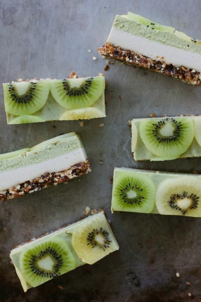 postres-faciles-base-de-nueces-crema-de-queso-crema-de-kiwi