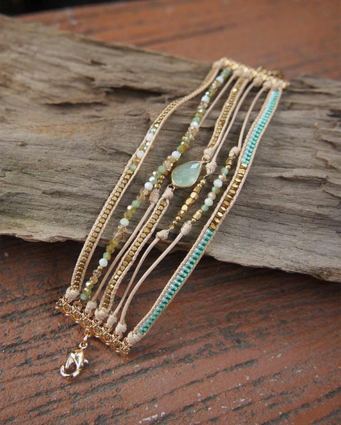pulsera-de-oro-varias-pulseras-piedras-preciosas-elegante