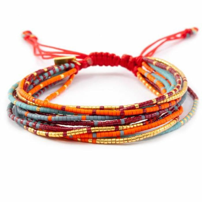 pulseras-de-oro-perlas-artificiales-de-color-juvenil