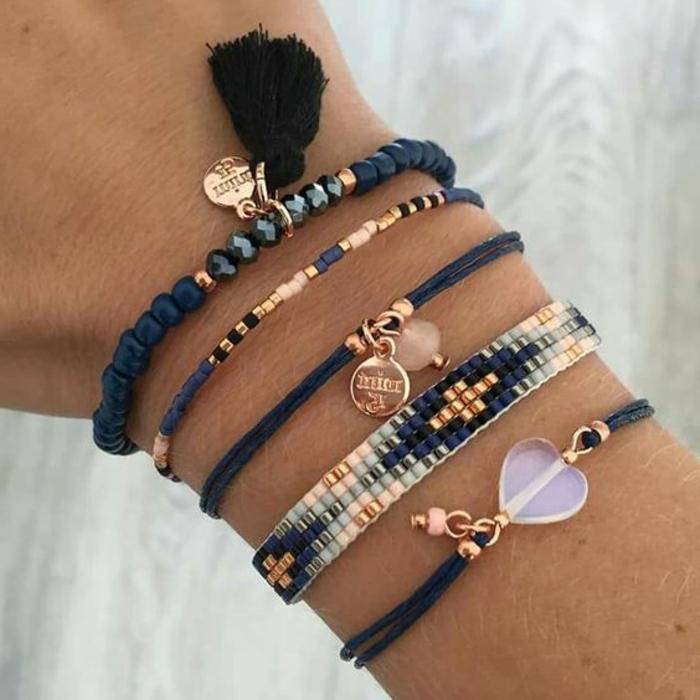 pulseras-de-oro-tonos-oscuros-elementos-de-oro-perlas-artificiales
