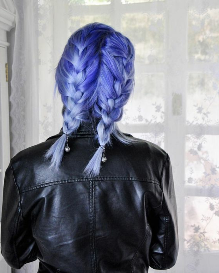 recogido-pelo-corto-azul-dos-trenzas-grandes-juvenil-interesante