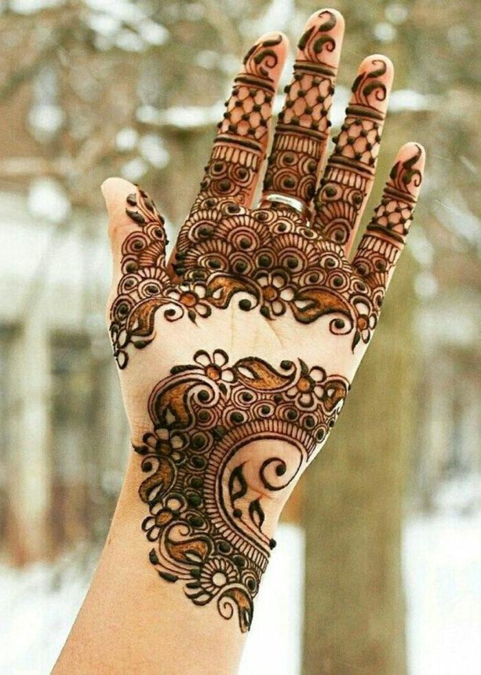 1001 ideas de tatuajes de henna temporal para mujeres for Henna para manos