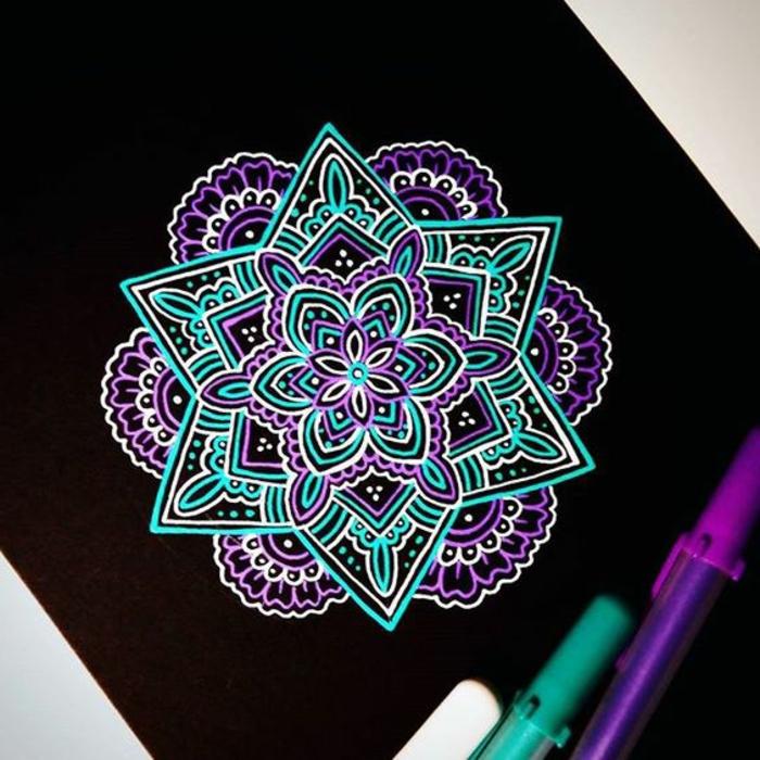 dibujar-mandalas-estrella-colores-violeta-azul-flor-colorear-artistico