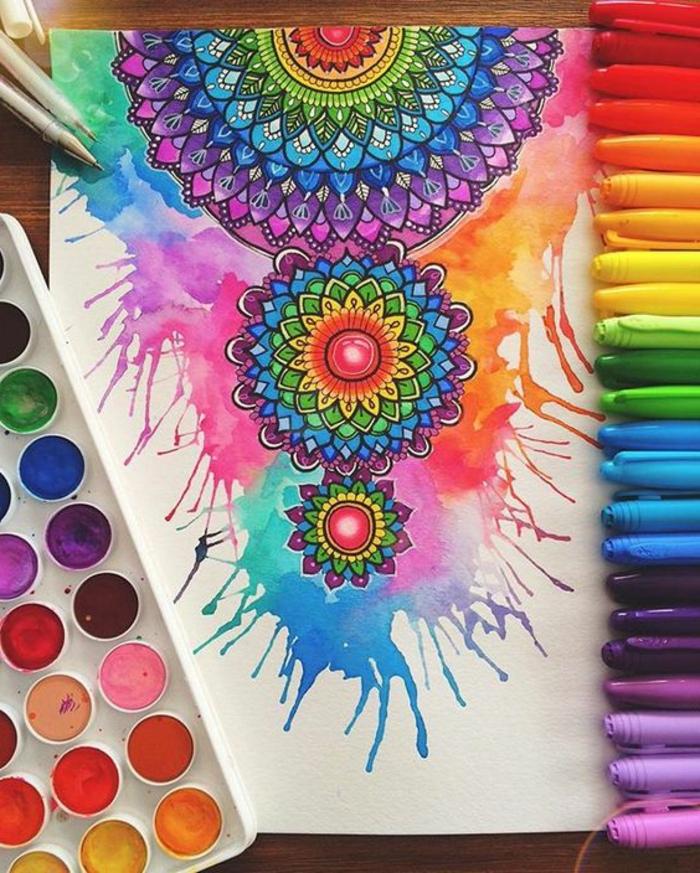 dibujar-mandalas-tres-mandalas-diferentes-tamaños-muchos-colores