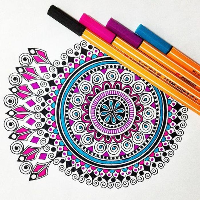 dibujos-de-mandalas-colores-vivos-interesantes-rosa-azul-diseño-simple